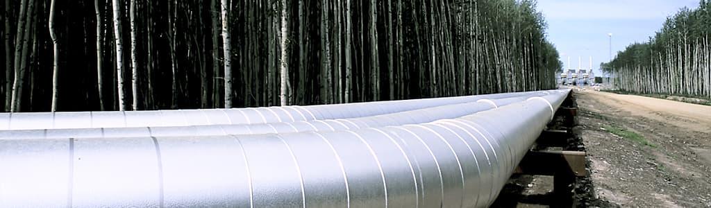 Suncor appuie les projets de pipeline, notamment les pipelines Keystone XL et Northern Gateway, et fait appel au transport maritime et au transport ferroviaire pour accéder de façon sécuritaire aux marches.