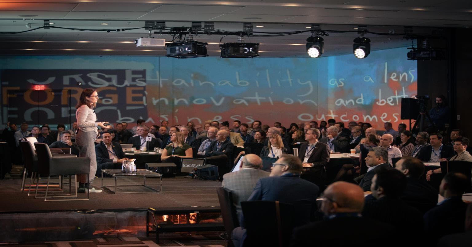 Stephanie Bertels prend la parole à la conférence FORGE 2020