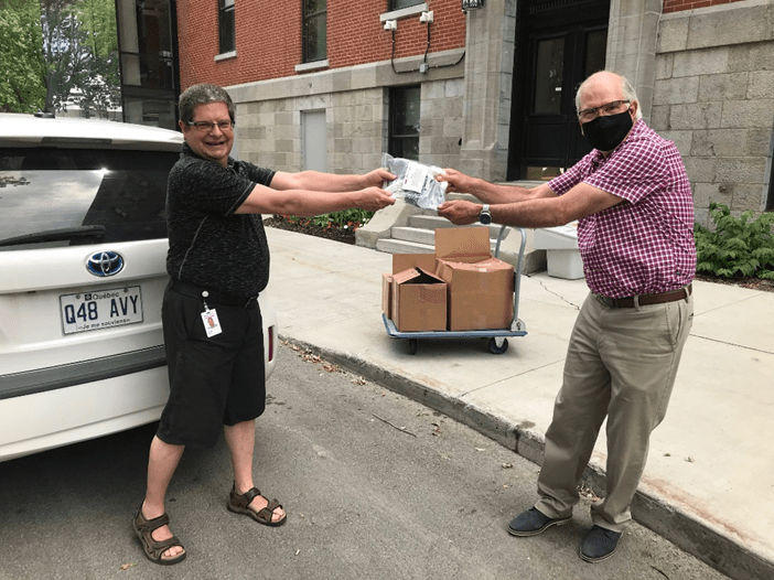 Suncor gives to foodbacks in Montreal
