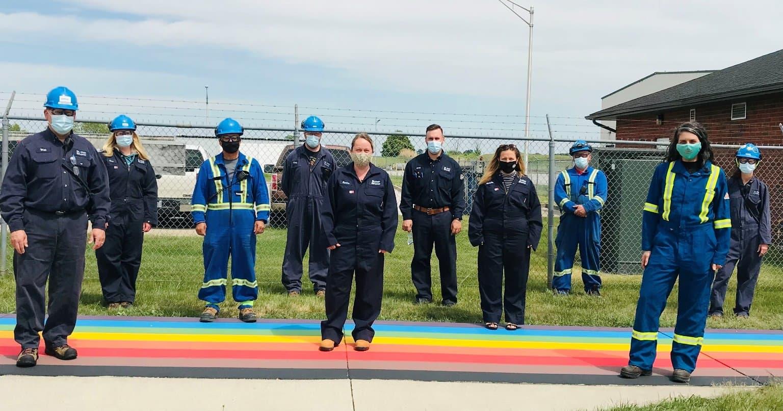 Pour souligner le Mois de la fierté, des passages pour piétons permanents aux couleurs de l'arc-en-ciel ont été installés à l'usine d'éthanol de St. Clair. Nous hisserons le drapeau de la fierté du progrès à toutes nos installations d'exploitation pendant tout le mois de juin.